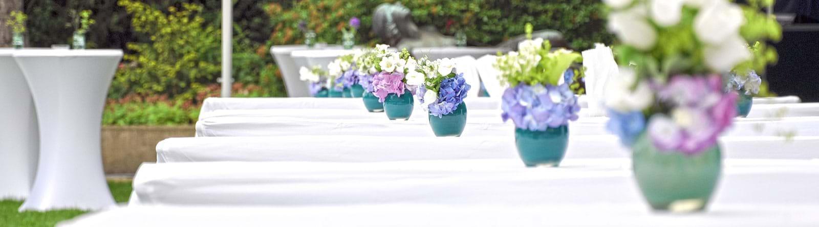Sommerfeier Dekoration Blumen