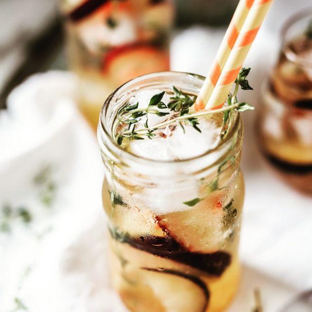 Der Sommer ist da und die Notbremse wird fallen!!! Last uns feiern 👯 aveato liefert leckeres Essen und kalte Drinks und ihr die Party people. Fragt an unter www.aveato.de und wir planen gemeinsam eure Summer Time.... #bbq  #grillen  #summervibes