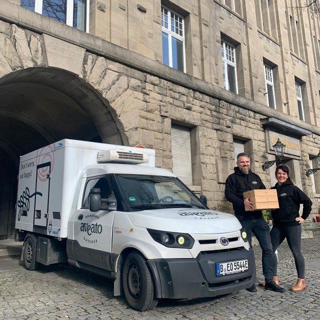 Wir liefern unser Catering nachhaltig mit elektrischen Streetscootern. 😊#sustainability #catering